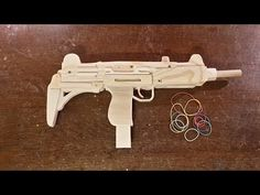 Most recent Free of Charge woodworking projects gun Tips : Carpentry is actually an interest which can be commenced and also loved with an very early age. Children can discover how to hone their particular ima. Small Woodworking Projects, Easy Wood Projects, Outdoor Projects, Woodworking Crafts, Woodworking Plans, Mattel Shop, Rubber Band Gun, Popsicle Stick Crafts, Wooden Toys