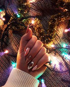 Aycrlic Nails, New Year's Nails, Cute Nails, Manicure, Mani Pedi, Cute Christmas Nails, Xmas Nails, Christmas Nail Designs, How To Cut Nails