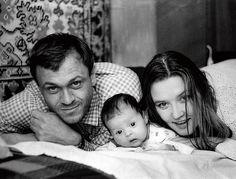 Семейное фото : Вера Алентова , Владимир и Юлия Меньшовы