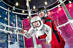 Lapsi lentää Sirius Sportin tuulitunnelissa  Children flying at Sirius Sport wind tunnel