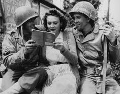 """""""En 1945, pour les GI, la France était «un gigantesque bordel» où l'on pouvait violer les femmes"""". Aller au delà des stéréotypes : «L'histoire standard, c'est que les Soviétiques étaient les violeurs, les Américains étaient les fraterniseurs et les Britanniques étaient les gentlemen.» Clic 2X pour l'article. A vérifier."""