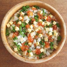 chirashi sushi (= a bowl of sushi rice topped with a variety of sashimi and garnishes)