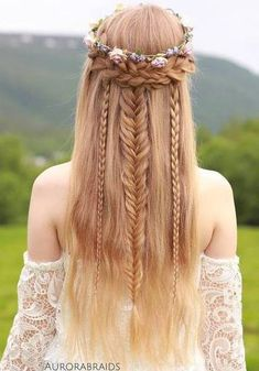 Bohemian hairstyles are worth mastering because they are creative, pretty and so wild. Plus, boho hairstyles do not require much time and effort to do. See more fabulous boho hairstyles. Bohemian Hairstyles, Pretty Hairstyles, Braided Hairstyles, Hairstyle Ideas, Fairy Hairstyles, Prom Hairstyles, Fantasy Hairstyles, Updo Hairstyle, Braided Updo