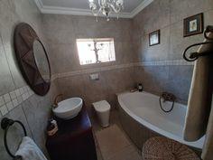 Corner Bathtub, Bathroom, Home, Washroom, Full Bath, Ad Home, Homes, Bath, Bathrooms