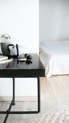 "Image of Moroccan ""Zellij"" Side Table - Black"