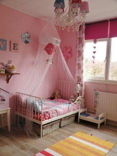 Peuterkamers op Pinterest - Montessori Kamer, Babykamer en Montessori ...