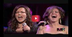 Watch as Reba McEntire marvels at fellow country stars Martina McBride and Kelly Clarkson | Rare