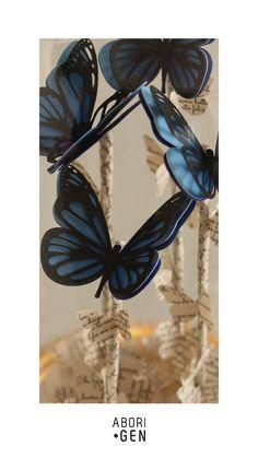Apaga la luz y enciende la magia🦋💙 . . #paper #papercut #art #paperart #papercuttingart #papercutting #decor #decoracion #design #interiordesign #layers #cuadro #colombia #handmade #hechoencolombia #artecolombiano #aborigendesign #papel #papelcalado Paper Cutting, Butterfly, Design, Picture Wall, Colombia, Paper Envelopes, Art, Butterflies