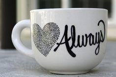 El amor siempre taza de cerámica pintada a mano
