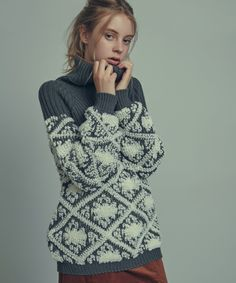 dazzlin Turtle (Dazurin) Fluffy jacquard knit (knit / sweater) | charcoal gray
