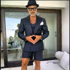 Excellent example  of  Bermuda style with an Italian twist