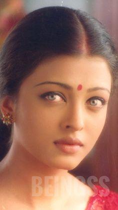 Aishwarya Rai Young, Aishwarya Rai Bachchan, World Most Beautiful Woman, Most Beautiful Indian Actress, Beautiful Figure, Beautiful Lips, Indian Girls, Indian Actresses, Celebrity Style