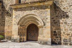 Apertura de la Puerta del Perdón. El próximo domingo 23 de Abril de 2017 es el comienzo Religioso y oficial del Año Santo Lebaniego o Año Jubilar ...