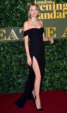 ¿Cuál ha sido el mejor 'look' de alfombra roja del mes? Gala Dresses, Red Carpet Dresses, Black Dress Red Carpet, Dress Prom, Elegant Dresses, Pretty Dresses, Vestidos Sexy, Prom Outfits, Mode Chic