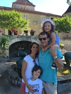 Royals & Fashion - Holidays at the castle of Cayx