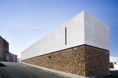Incredible Stone Facade Design to Spike up Design of Buildings Engineering Basic delivers online tools that help you to stay in control of your personal information and protect your online privacy. Minimal Architecture, Concrete Architecture, Residential Architecture, Contemporary Architecture, Architecture Details, Interior Architecture, Concrete Facade, Architecture Images, Casa Bunker