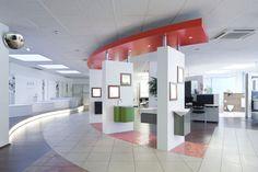 badambiente Mülheim Showroom Ideas, Showroom Design, Interior Design, Retail Design, Pallets, Tile, Porcelain, Bar, Bathroom