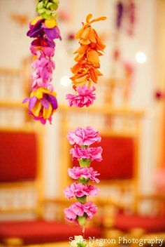 Flower garlands made of different colors!