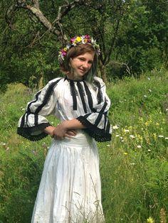 Girls Dresses, Flower Girl Dresses, Tulle, Victorian, Wedding Dresses, Skirts, Fashion, Dresses Of Girls, Bride Dresses