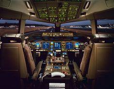 Boeing 777-300ER Cockpit