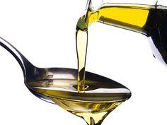 Un cucchiaino di olio extravergine d'oliva e due gocce di limone, sono un toccasana per il vostro fegato!