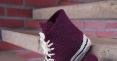 Virkatut tennarit (koko 39-40) Tarvitset: Novita 7 veljestä -lankaa vaaleanruskeaa n. 90g, valkoista 60g, mustaa n. 15g, vii... Yeezy, Adidas Sneakers, Fashion, Moda, Fashion Styles, Fashion Illustrations, Adidas Shoes