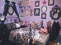 Inspirational ideas for teenage bedroomsInspirational teenage bedroom ideas on frugal coupon life. Creative DIY decor for your tween girl to teenager going home. Attractive youth room decoration ideas for comfortable work - design & Goth Bedroom, Room Ideas Bedroom, Girls Bedroom, Bedroom Decor, Bedroom Designs, Emo Room, Gothic Room, Gothic Bed, Room Wall Colors