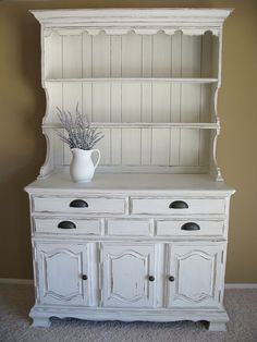 Blake & Taylor Chalk Furniture Paint in 'New White' would do well here!