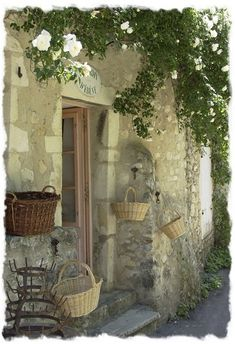 non-touristy village in Provence {Cliousclat}