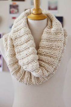 Lady by the Bay - Cozy Ribbed Scarf Knitting Pattern, Free Pattern, 216 yards chunky weight alpaca yarn (I used 2 skeins of Misti Alpaca in the color 100 Nt Cream) Size 15 circular knitting needle Beginner Knitting Patterns, Easy Knitting Projects, Knitting For Beginners, Knit Patterns, Free Knitting, Knitting Ideas, Easy Projects, Knitting Scarves, Snood Knitting Pattern