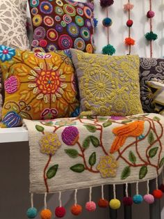 hippy room 209980401351228494 - Exquisite embroidery and pompoms at Jenny Krauss Source by TrimQueen Cushion Embroidery, Embroidery Applique, Boho Diy, Bohemian Decor, Hand Embroidery Designs, Embroidery Patterns, Hippy Room, Felt Pillow, Mexican Embroidery