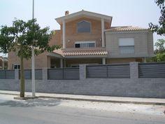 #Casas #Contemporaneo #Exterior #Fachada #Vidrio #Tejado #Arboles #Ventanas