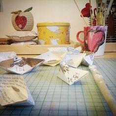 Paper boats #lambades #easter #eastercrafts #diy #beadaboo #eastercandles #handmade #papercrafts