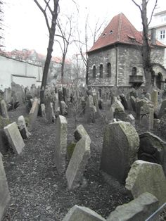 Location:Old Jewish cemetery, Prague Photographer: Noor Heynen BLACKWOOD Styling, Events and Management