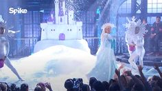 """You probably saw a preview of Channing Tatum's appearance on Lip Sync Battle making the internet rounds last week, in which he dresses up like Elsa from Frozen and performs """"Let It Go"""", because obviously. 