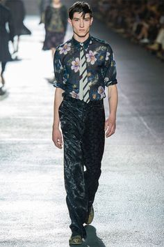 Yes! Dries Van Noten pairs up a floral shirt with a bod striped tie! We can do prints with ties! Ok...time to shop for a bold striped tie...  Mike Kagee Fashion Blog: DRIES VAN NOTEN SPRING/SUMMER 2013 MENSWEAR COLLECTION REVIVES FLOWER PRINTS FOR MEN