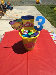 Play-doh party decorations/ideas 6th Birthday Parties, 3rd Birthday, Birthday Ideas, Play Doh Party, Little Girl Birthday, Play Dough, Art Party, Toot, Favor Bags