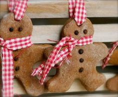Cinnamon salt dough makes for a strong, sturdy gingerbread man. Dress him up with a checkered scarf (in case he gets cold). Get the tutorial at Where Your Treasure Is Salt Dough Christmas Ornaments, Cinnamon Ornaments, Christmas Ornaments To Make, Homemade Christmas, Kids Christmas, Holiday Crafts, Christmas Decorations, Macarons Christmas, Elegant Christmas