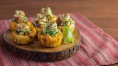 Shrimp and avocado stuffed plantain cups are hand-held bites of zesty heaven. I think this would be good in a cucumber cup instead for summer. Yummy Appetizers, Appetizer Recipes, Appetizer Ideas, Fried Plantain, Antipasto, Chefs, Seafood Recipes, Cooking Recipes, Recipes