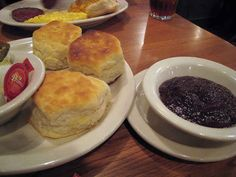 Cracker Barrel Biscuits and Corn Muffins | The Definitive Ranking Of Free Restaurant Bread