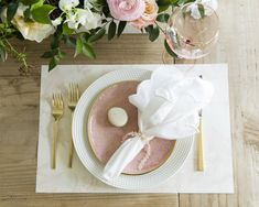 Dinner Party Spotlight: Rachel Parcell of Pink Peonies - Fashionable Hostess