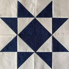 This year, for the quilt guild I am apart of, I am providing instructions for how to make a different quilt block each month. For the month of December, we learned about the classic Ohio Star Quilt Block. Quilt Blocks Easy, Star Blocks, Easy Quilts, Star Quilt Patterns, Star Quilts, Pattern Blocks, Quilting Ideas, Missouri Star Quilt Pattern, Quilting Fabric