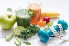 Fruits, vegetables, juice, smoothie and dumbbell health diet fitness concep Health Snacks, Health Diet, Health Fitness, Fitness Blogs, Baby Health, Mental Health, Health Care, Healthy Foods To Eat, Healthy Dinner Recipes