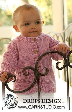 Gilet au tricot pour bébé et enfant, avec emmanchures raglan, en DROPS Merino Extra Fine