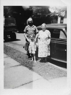 """Harold Foster Bruner, his mother Mary Ella  Walters Bruner and his son Harold Carson""""Buzz"""" Bruner"""