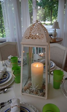 Love the lantern and the lime green gives it a pop