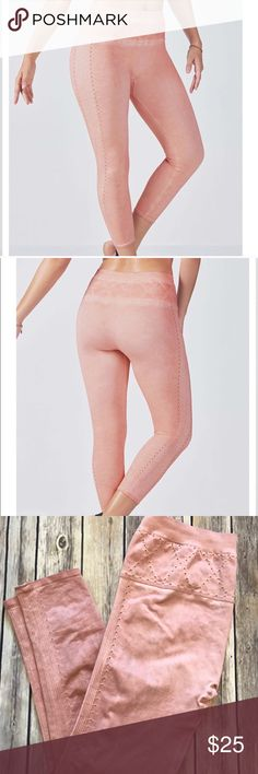 Fabletics seamless leggings Fabletics blush pink seamless leggings Fabletics Pants Leggings