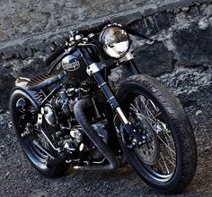 Triumph Bobber/Cafe Racer hybrid - So Close, So Far Triumph Bikes, Cool Motorcycles, Triumph Motorcycles, Vintage Motorcycles, Triumph 650, Triumph Cafe Racer, Triumph Bobber Custom, Triumph Chopper, British Motorcycles