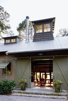 Barn-style home on South Carolina's Spring Island. ‪#‎dreamhouseoftheday‬ via 1 Kind Design