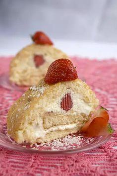 Raparperin satokausi on alkanut. Leivo piirakka, kääretorttua, leivoksia tai tee siitä raikasta mehua. Cheesecake, Desserts, Food, Tailgate Desserts, Deserts, Cheesecakes, Essen, Postres, Meals